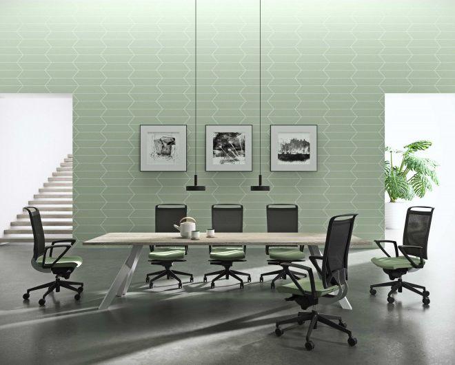 vergadertafel 8 personen werkblad in eik metalen frame vergaderstoel bureaustoel mesh rug ergonomisch lumbaal steun zitting in stof verschillende kleuren